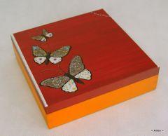 szkatu�ka z przegr�dkami recznie malowana motyle