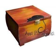 szkatu�ka z kotem r�cznie malowana
