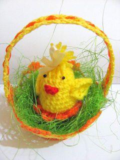 koszyczek z kurczaczkiem na szyde�ku wielkanoc