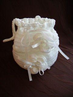 torebka woreczek do komunii na szydelku biala